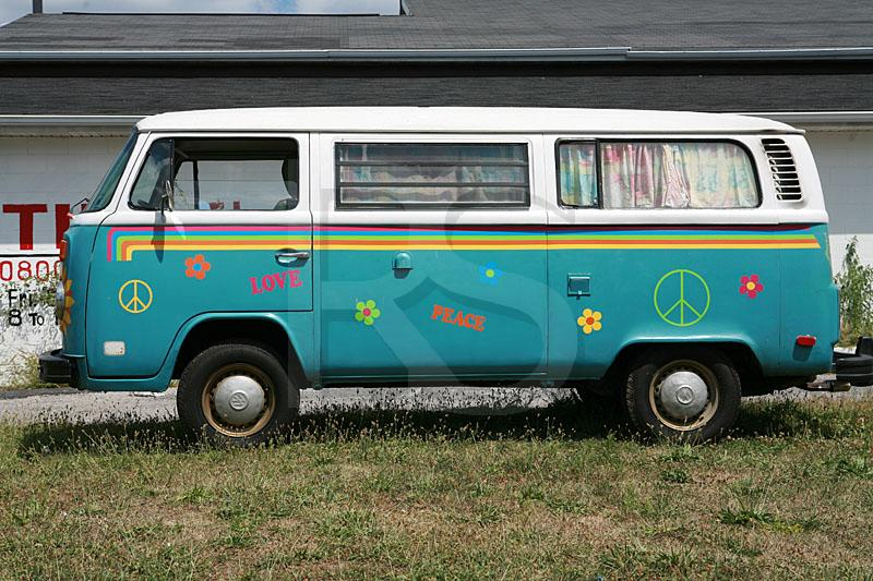 hippie van volkswagen microbus. Black Bedroom Furniture Sets. Home Design Ideas