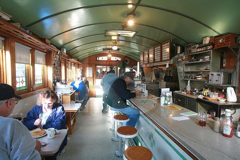 Red rose diner interior for Diner interior