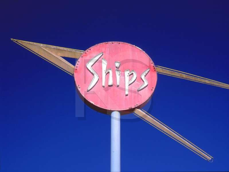 Keywords: googie,spage-age,modern,populuxe,50's,mid-century ...: www.ronsaari.com/stockImages/googie/shipsSign.php