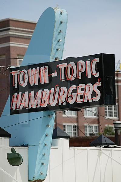 Town Topic Hamburgers, Sign